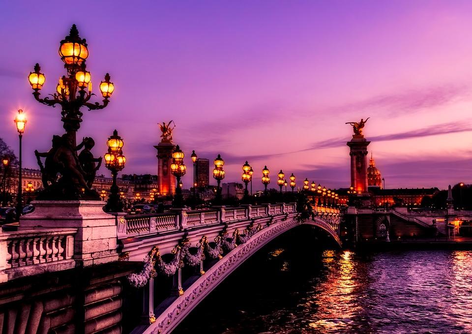 París es uno de los destinos europeos más románticos para pasar San Valentín.