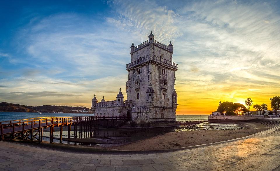 Lisboa es uno de los destinos europeos más románticos para una escapada en pareja,